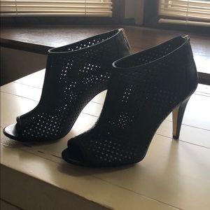 Banana Republic black boots 3 inch heal